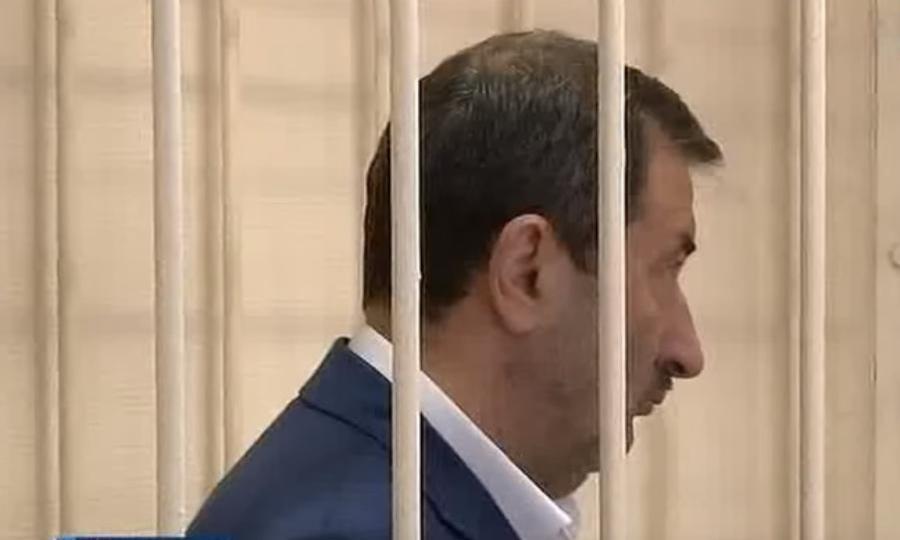 Три года колонии получил депутат Алиев завзятку в400 тыс. руб.